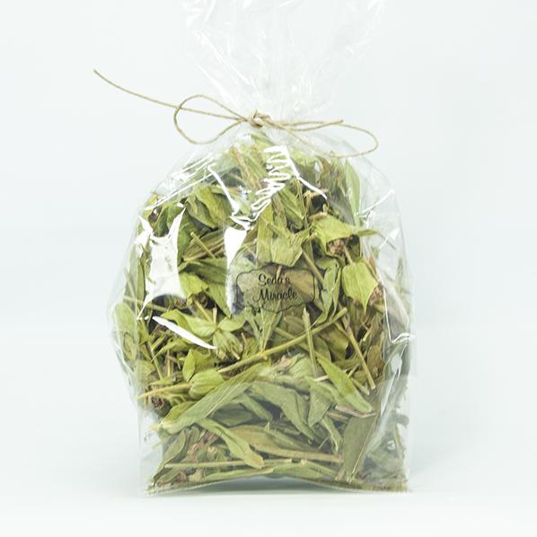 Salie thee, natuurlijke thee