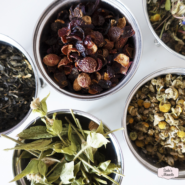 Natuurlijke thee in authentiek Marokkaans bakje