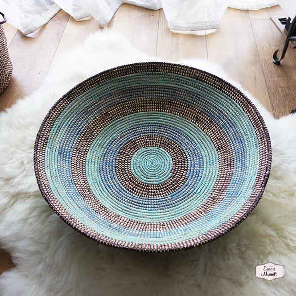 Afrikaanse handgemaakte diepe schaal, gestreept