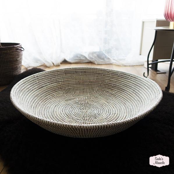 Afrikaanse handgemaakte diepe schaal, wit