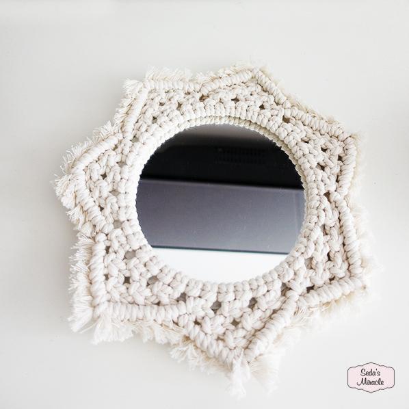 Charming spiegel van macramé voor elk interieiur