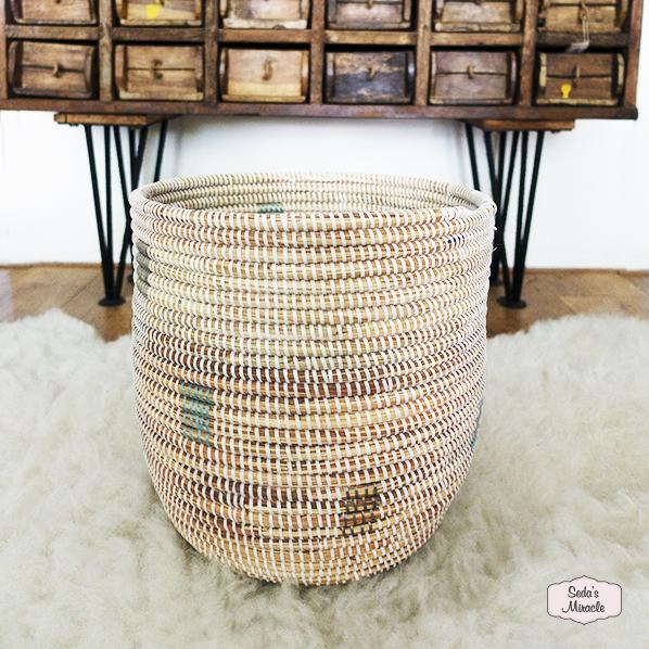 Handgemaakte Afrikaanse white basket