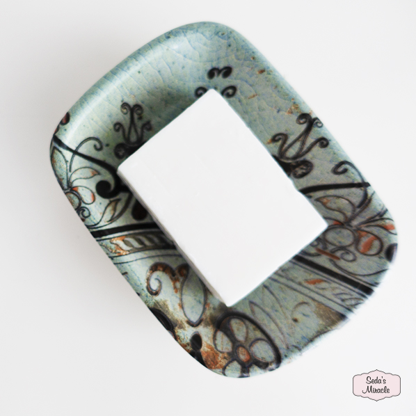 Natuurlijke argan zeep op een Anika schaaltje van keramiek