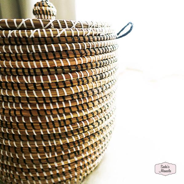 Handgemaakte Afrikaanse mand met deksel