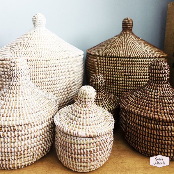 Handgemaakte Afrikaanse tajine en bijoux manden