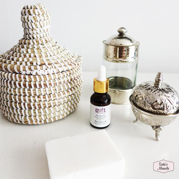 Afrikaans bijoux mandje, natuurlijke tea tree olie, natuurlijke argan zeep, authentiek Marokkaans bakje met deksel en Ayse set van 3 glazen potjes