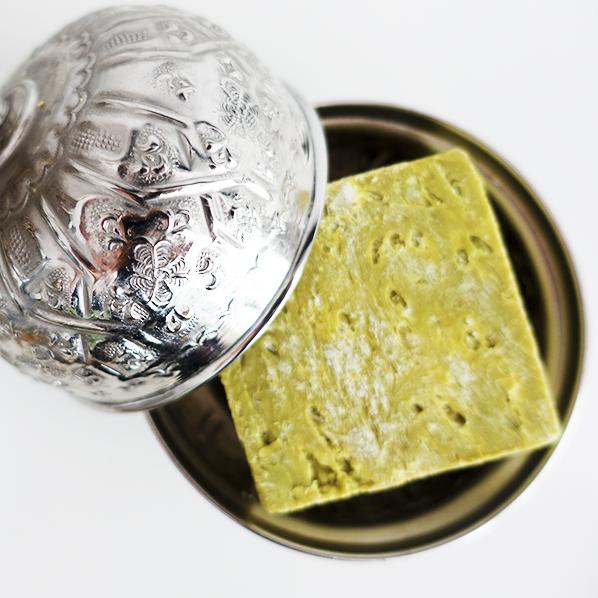 Authentiek Marokkaans bakje met deksel met natuurlijk zeewier zeep