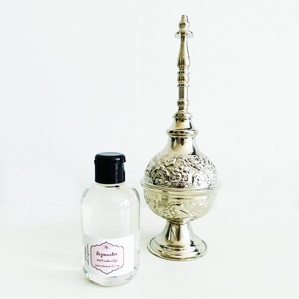 Authentieke Marokkaanse rozenwater sprenkeltjes met natuurlijk rozenwater