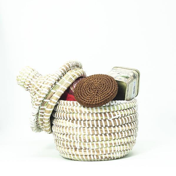 Seda's musk cadeaupakket met Afrikaans bijoux mandje met natuurlijke musk amber zeep, Marokkaans geurblokje en een Marokkaanse scrubsteen