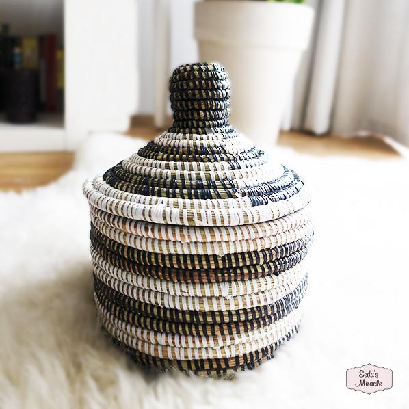 Handgemaakte Afrikaanse bijoux mand, Fair Trade