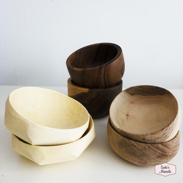 Handgemaakte houten kommen voor tapas, hapjes, nootjes en andere lekkere dingen