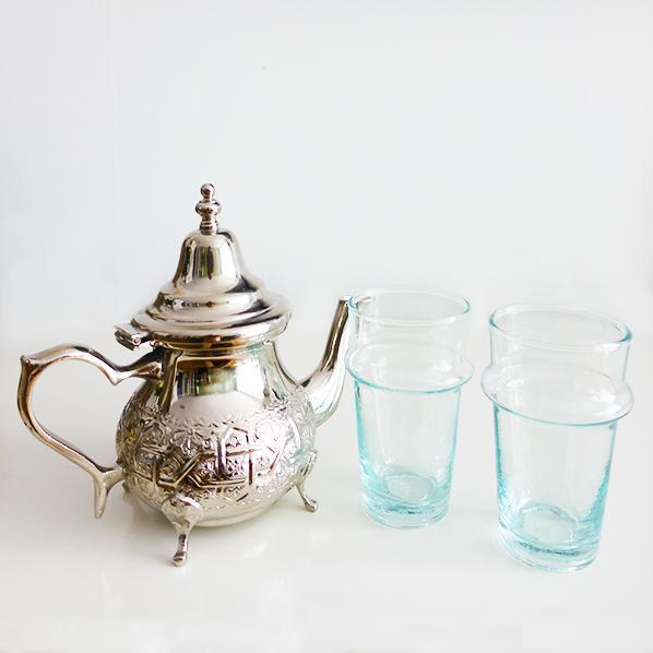 Cadeaupakket Shay time met authentiek Marokkaanse theepot met handgemaakte Marokkaanse beldi theeglazen