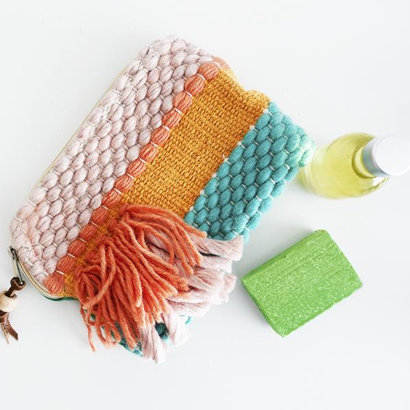 Aloe beauty cadeaupakket met vrolijke handgemaakte toilettas, natuurlijke aloe vera zeep en pure natuurlijke aloe vera olie