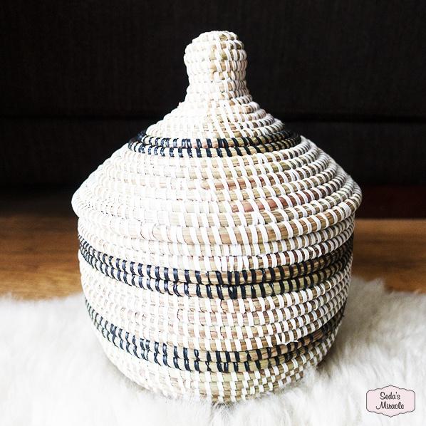 Handgemaakte Afrikaanse bijoux mand, medium