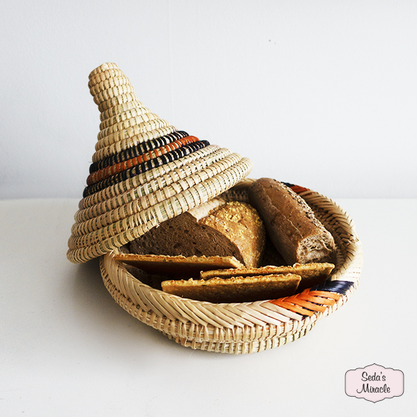 Handgemaakte Marokkaanse Berber tajine mand