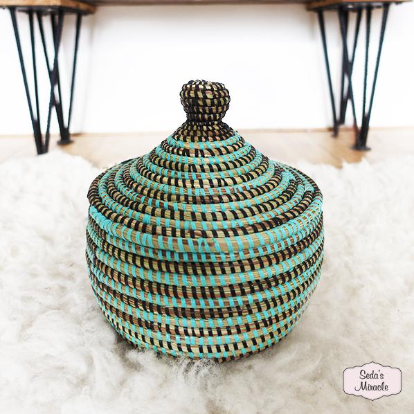 Handgemaakte Afrikaans Zaza bijoux mand turquoise zwart, medium