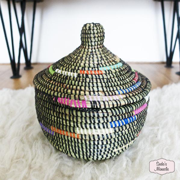 Handgemaakte Afrikaanse Ziza bijoux mand, medium