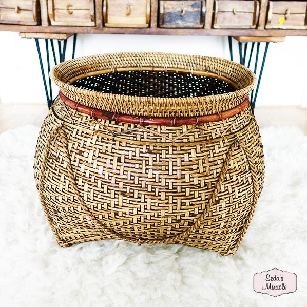 Handgemaakte Barabu mand van bamboe