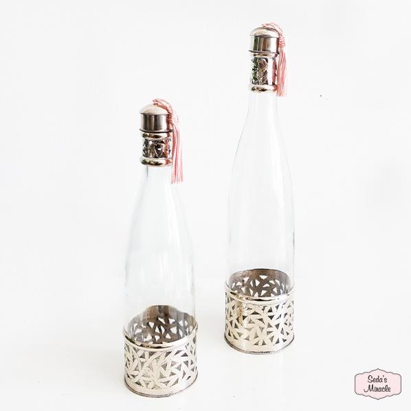 Handgemaakte Marokkaanse glazen flessen voor water, olie, sap of azijn