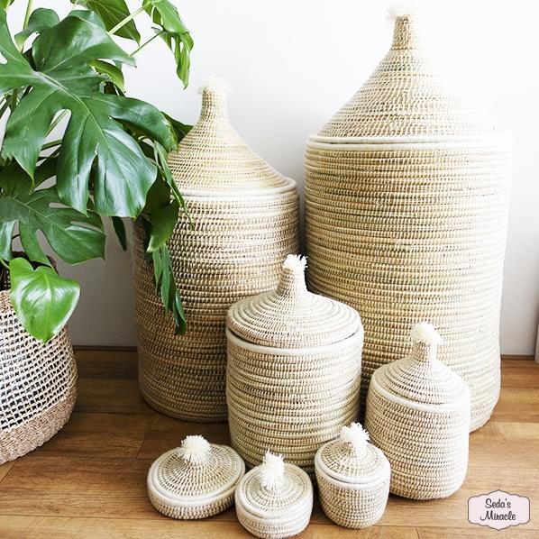 Handgemaakte Marokkaanse Berber pom wasmanden, opbergmanden en bijoux mandjes, wit