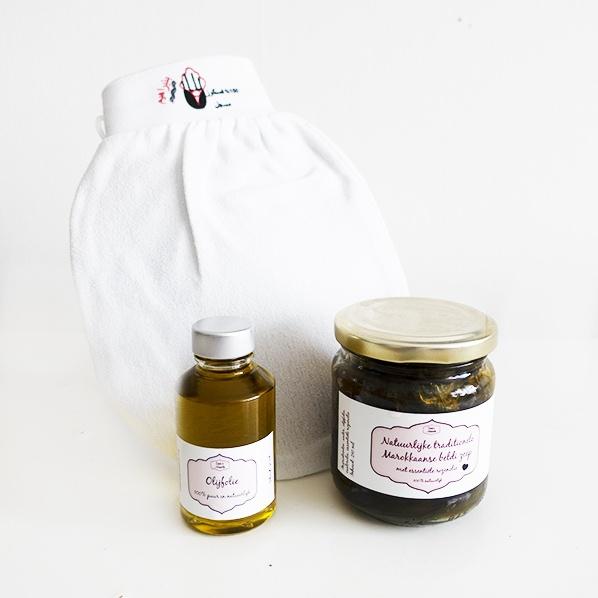 Hamam body care met scrub handschoen, Afrikaanse zwarte zeep (Marokkaanse beldi zeep) en pure natuurlijke olijfolie