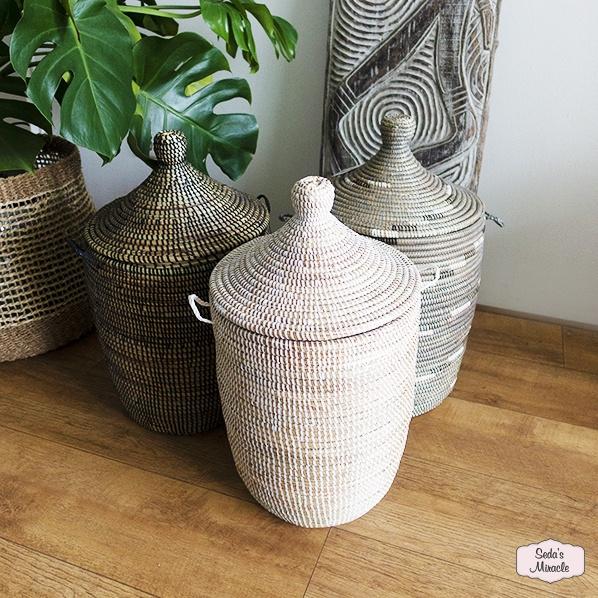 Handgemaakte Afrikaanse manden met deksel
