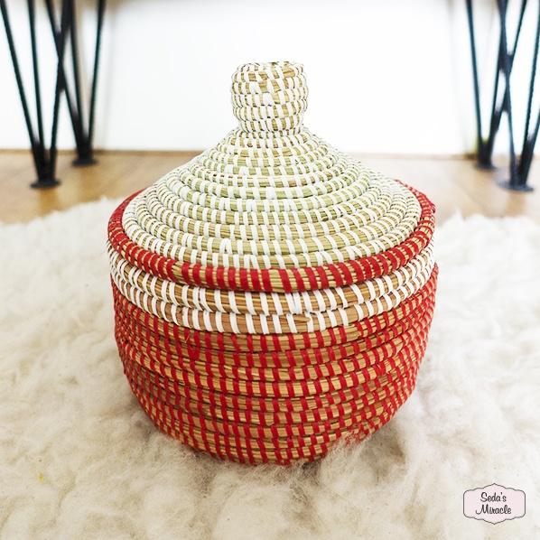 Handgemaakt Afrikaans Rhya bijoux mandje, medium