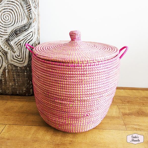 Handgemaakte Afrikaanse wasmand roze, medium